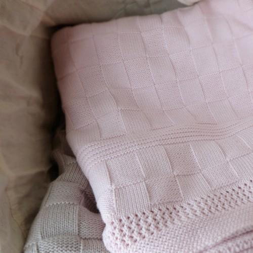 http://www.palmerhaus.com/1450-thickbox/cotton-knitted-blanket.jpg
