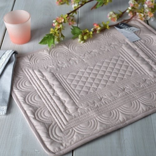 Mikasa Hush Quilted Cotton Placemat - Palmerhaus : quilted placemats - Adamdwight.com