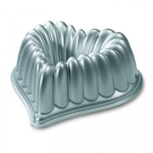 Cast Alum Elegant Heart Bundt Cake Pan , Nordicware