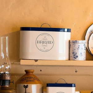National Trust 'Country Kitchen' Bread Bin