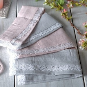 Mikasa Hush Set of 4 Lace Trimmed Napkins