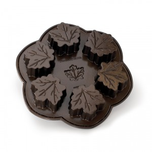 Cast Alum Maple Leaf Cake Pan , Nordicware