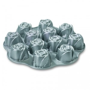 Cast Alum Sweetheart Rose Cake Pan, Nordicware
