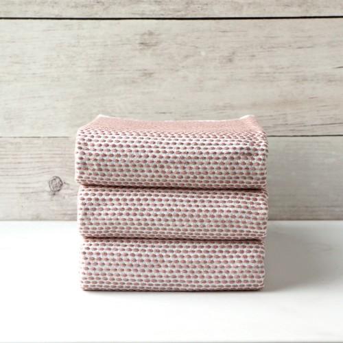 https://www.palmerhaus.com/3866-thickbox/peach-knitted-napkin-set-of-3.jpg