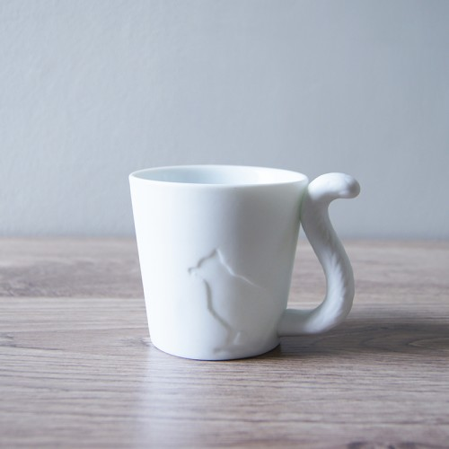 http://www.palmerhaus.com/708-thickbox/cat-candle-holder.jpg